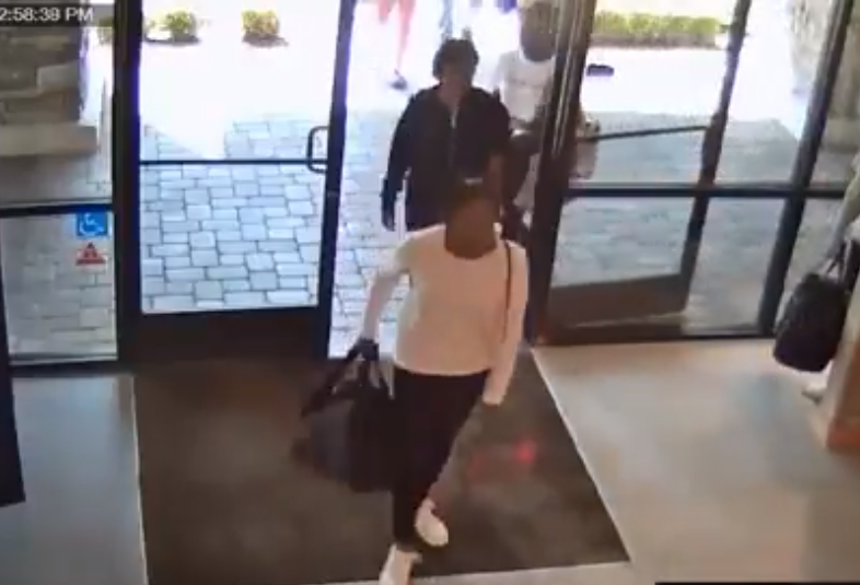 Group of Women Steal Leggings Amounting to $17000 From Lululemon Store