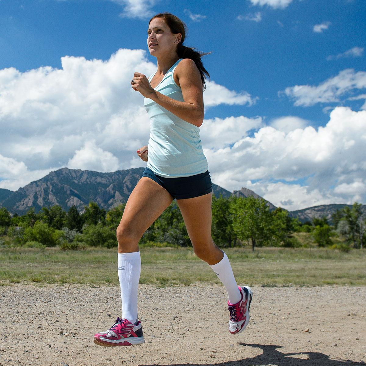 6 Efficient Benefits of Running in Compression Socks or Sleeves