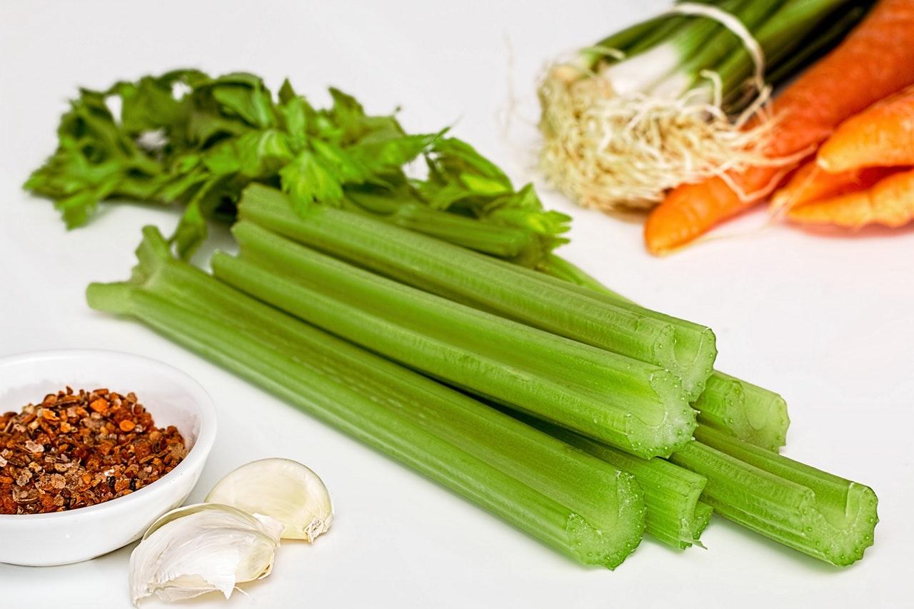 foods-keeping-you-awake-8-celery