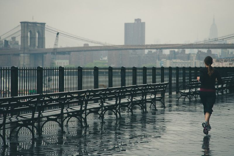fabric-and-tips-for-outdoor-workouts-3-rainy-or-windy-weather
