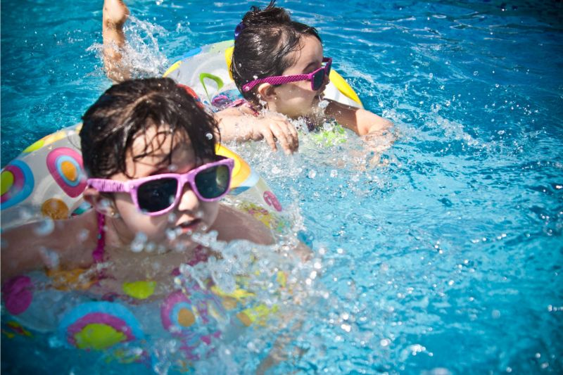 get-your-kids-active-this-summer-5-go-for-a-swim