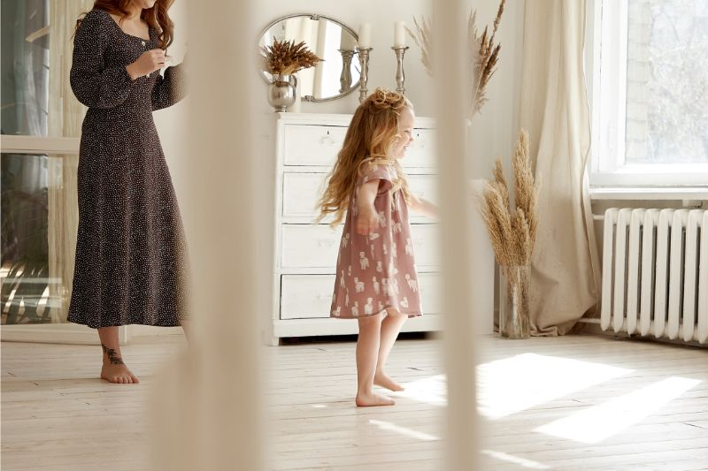 get-your-kids-active-this-summer-7-dance-around-the-house