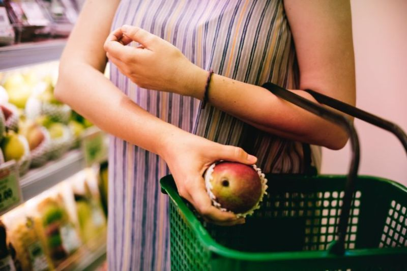 increase-your-fitness-while-shopping-4-reach-for-the-basket