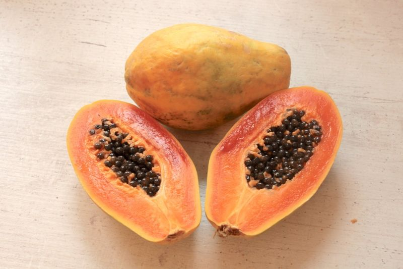 natural-beauty-tips-for-all-skin-type-4-papaya-mask-for-dead-skin