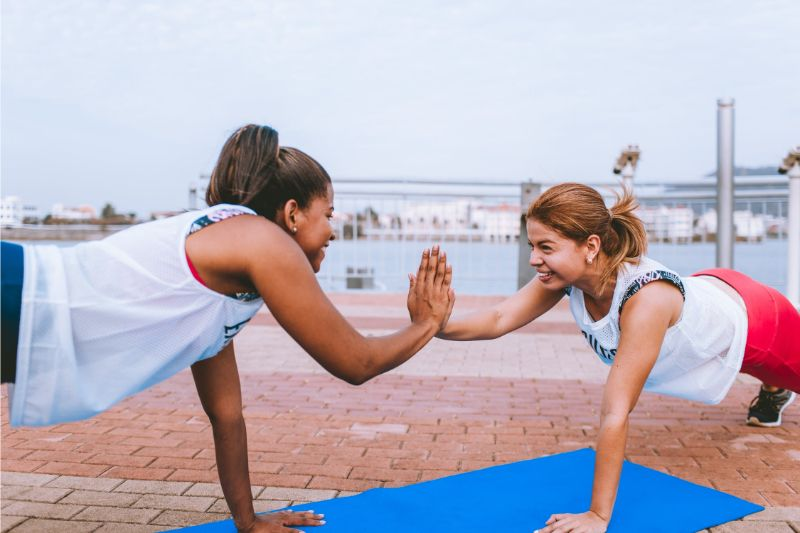 6-ways-motivated-exercise-regularly-5-find-a-fitness-buddy