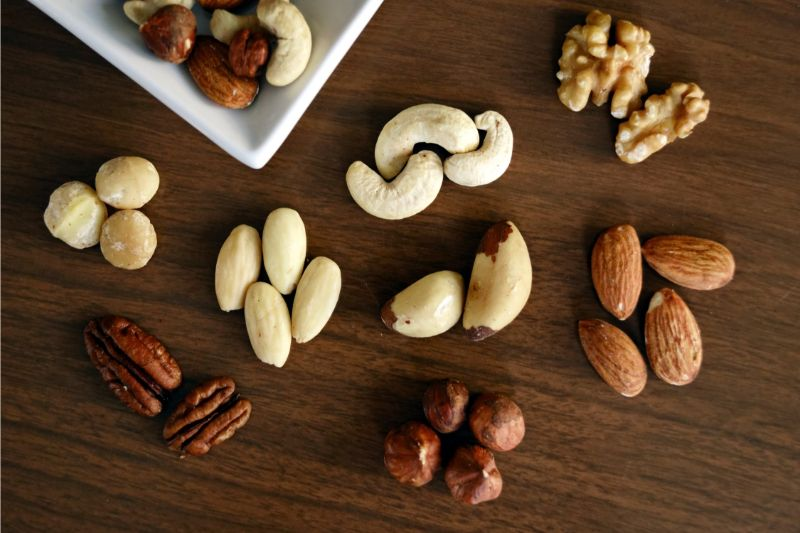 foods-to-combat-the-signs-of-ageing-2-nuts