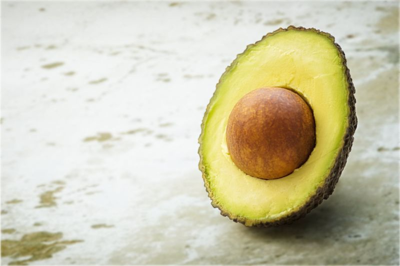 foods-to-combat-the-signs-of-ageing-4-avocado