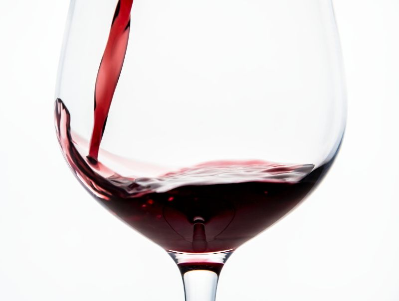 foods-to-combat-the-signs-of-ageing-9-red-wine