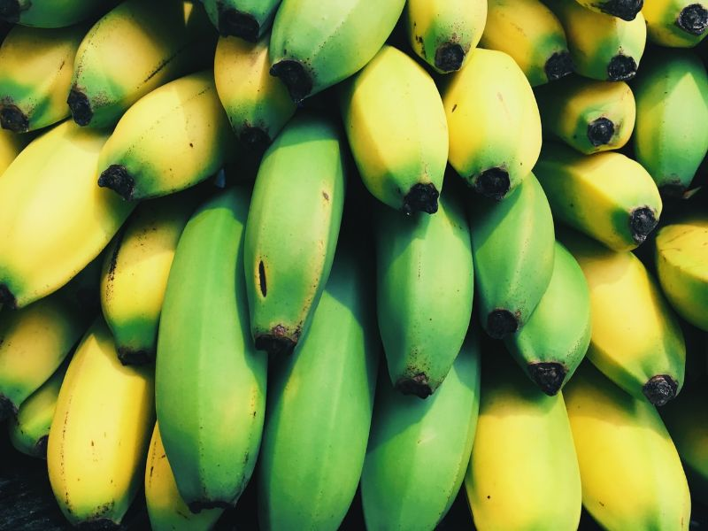 foods-you-should-avoid-before-workout-2-green-bananas